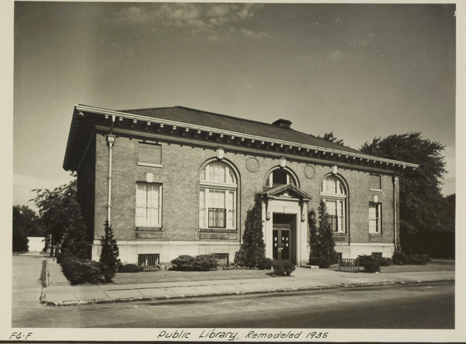 Photo of old Post Office building